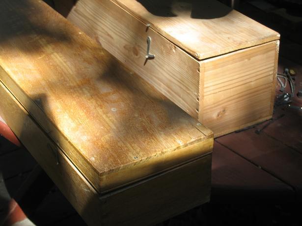 6067960-tic60mm-boxes.jpg