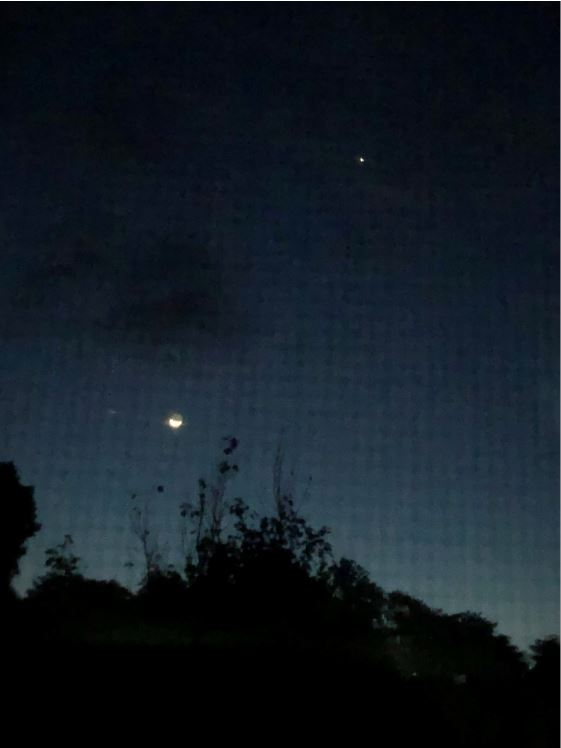 Moon-Venus 618 AM EDT 9-15-20 IMG-1585 sml.JPG