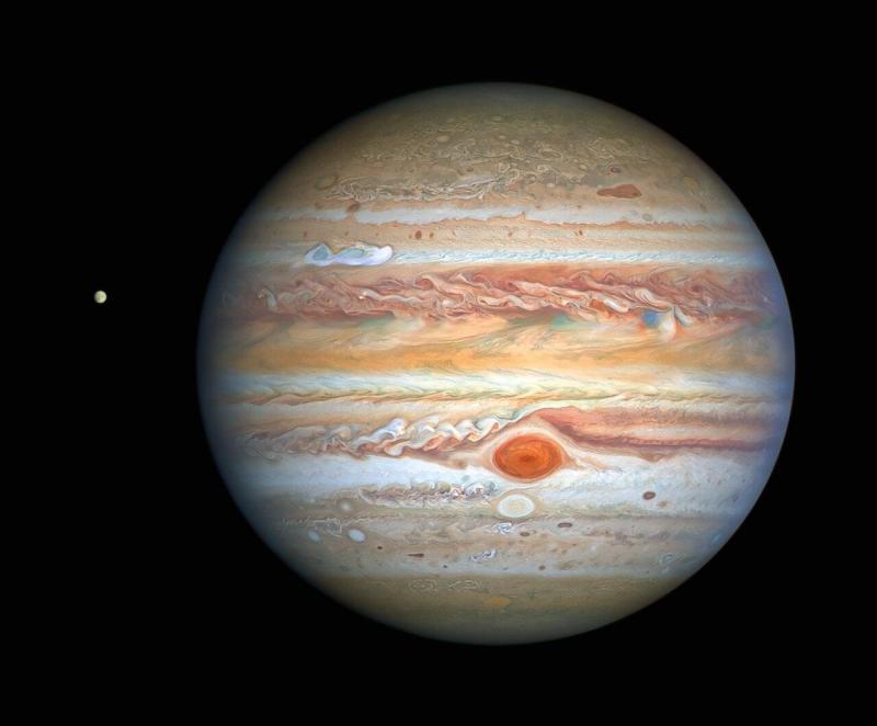 Jupiter from HST.jpg