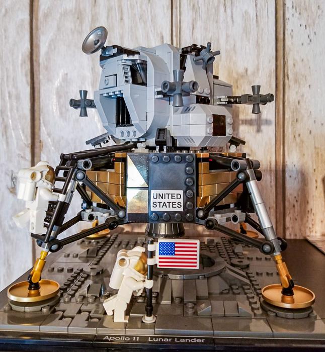 LEGO Apollo 11 Lander Eagle.JPG