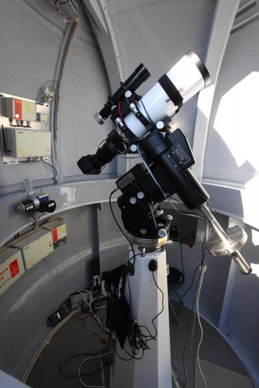075-16mm-wide-shot-trhrough-shutter-s.jpg