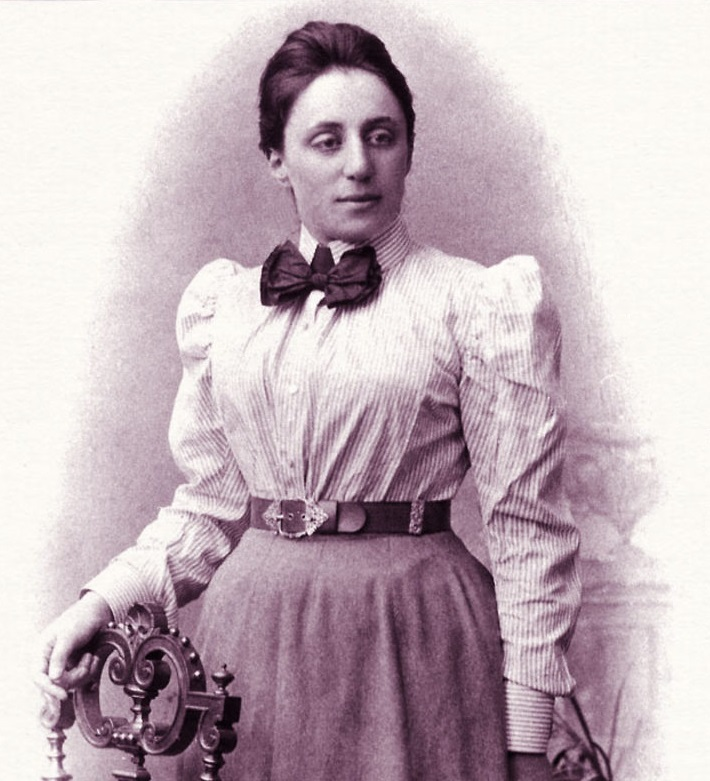 02 Emmy Noether.jpg