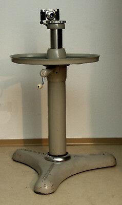 👉-Linhof-Professional-Säulenstativ-SGS-003431-Universal-Studio.jpg