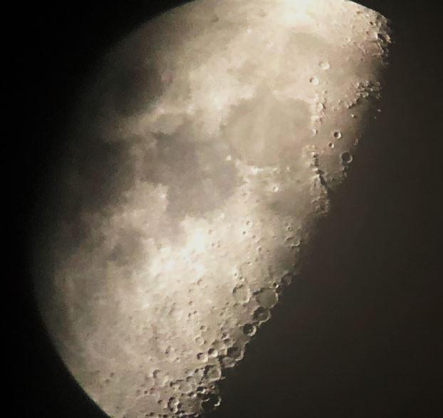 10-13-21 744 PM EDT Moon EYES sml balanced.JPG