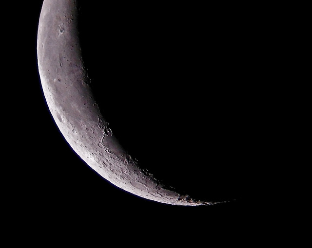 First night with the Tele Vue TV-85 and the Moon