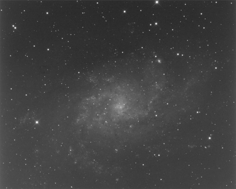 M33_F8_Lum_300s.jpg