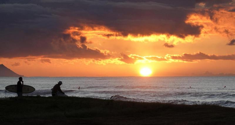 2019-11-11 Mercury transit-sunrise-surfers.JPG
