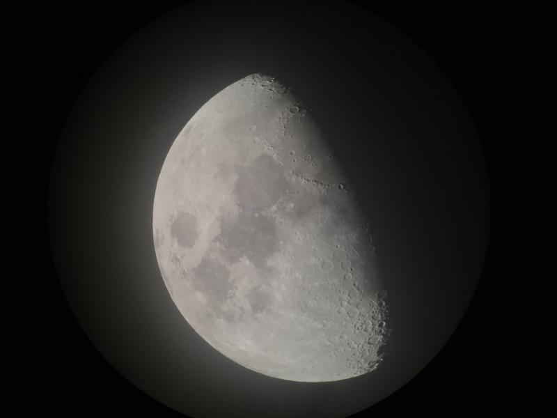 Moon2020112401-16UTQuestar16mmB.JPG