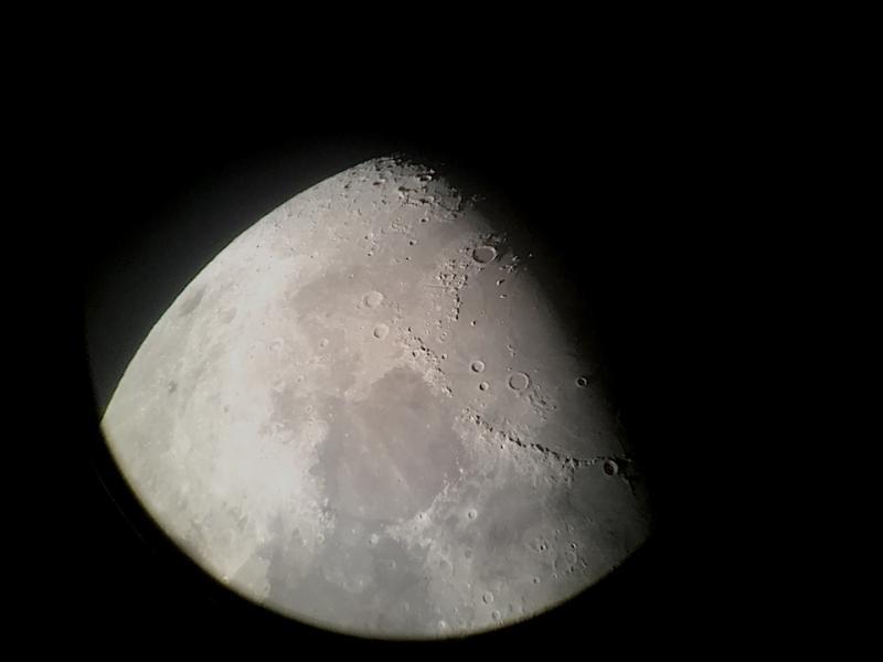 Moon2020112401-10UTQuestar16mmB2xBarlow.JPG