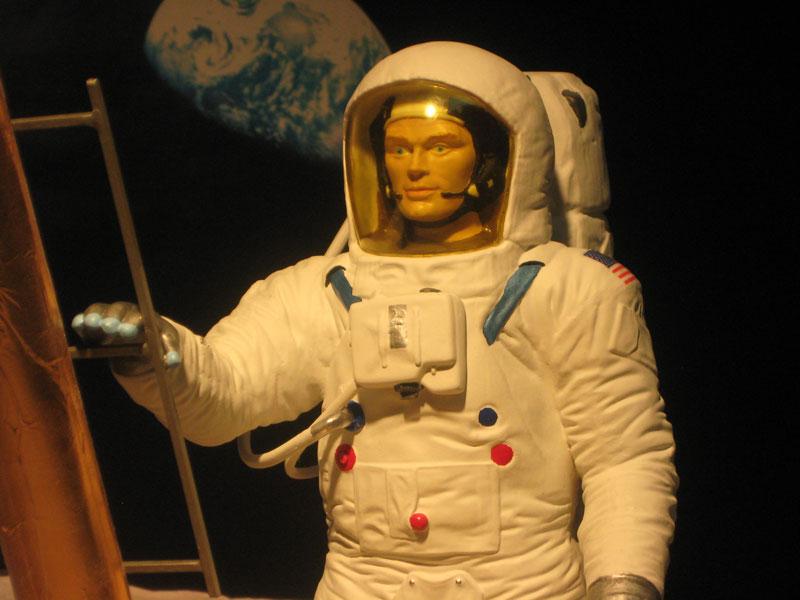 SPACEMAN-003.jpg