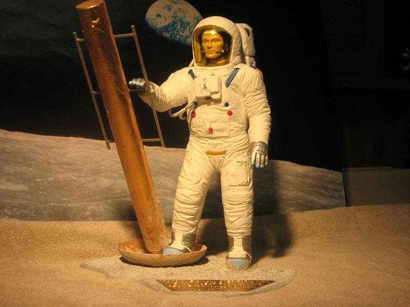 SPACEMAN-002.jpg
