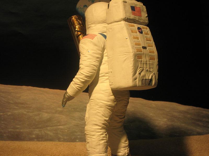 SPACEMAN-004.jpg