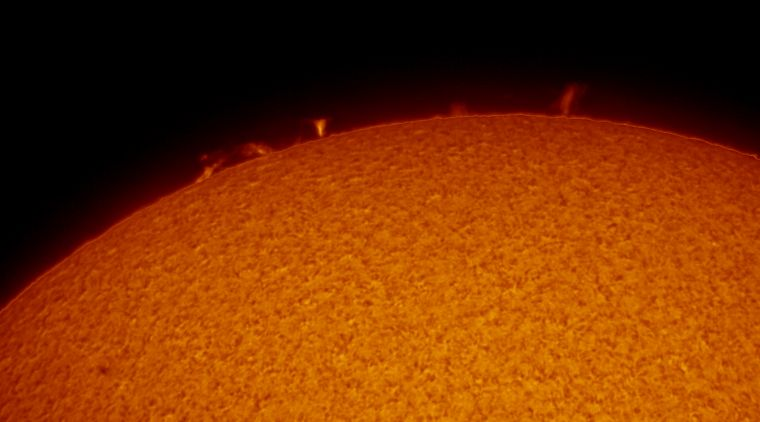 Solarproms_142810_Exposure=10.3ms_ZWO ASI290MM_Gain=156(off)_Gamma=51_67_lapl4_ap5672_conv.jpg
