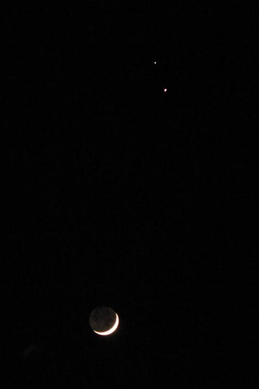 Moon, Jupiter, Saturn 2020-12-16 2kx3k.jpg