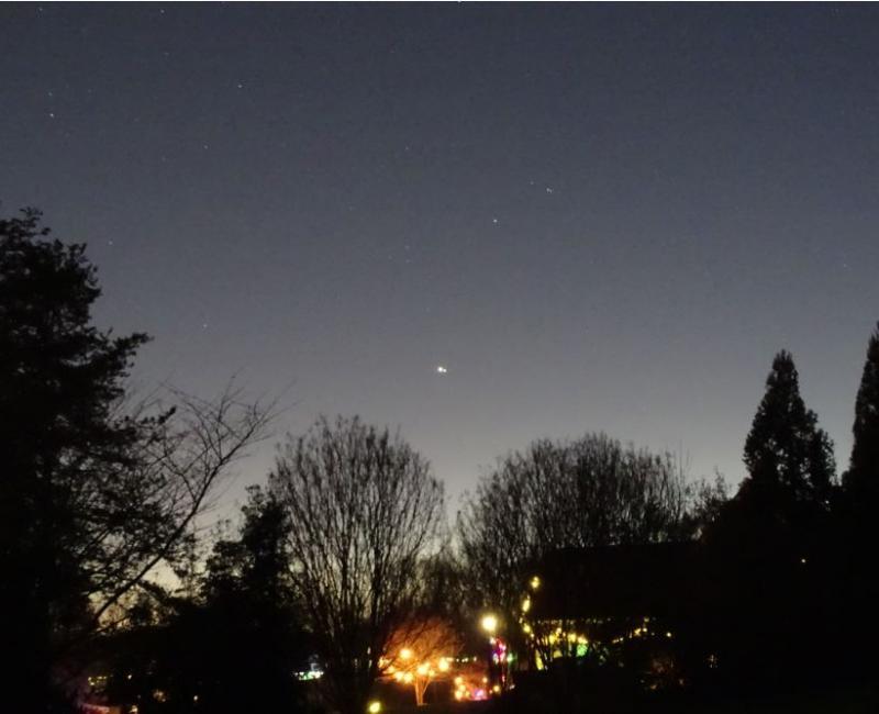 DSC06555 12-22-20 616 PM EST Jupiter Saturn Alp1-2 CAP sml.JPG