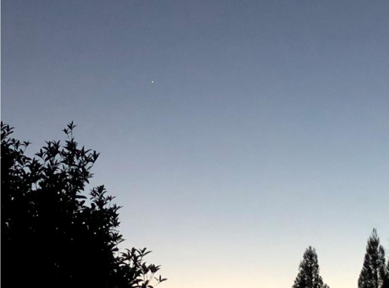 aIMG_3537 12-22-20 544 PM EST Jupiter Saturn CLOSER sml.JPG