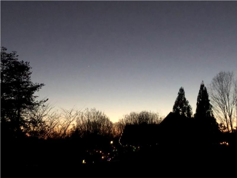 12-26-20 Jupiter-Saturn 551 PM EST IMG_3738 sml.JPG
