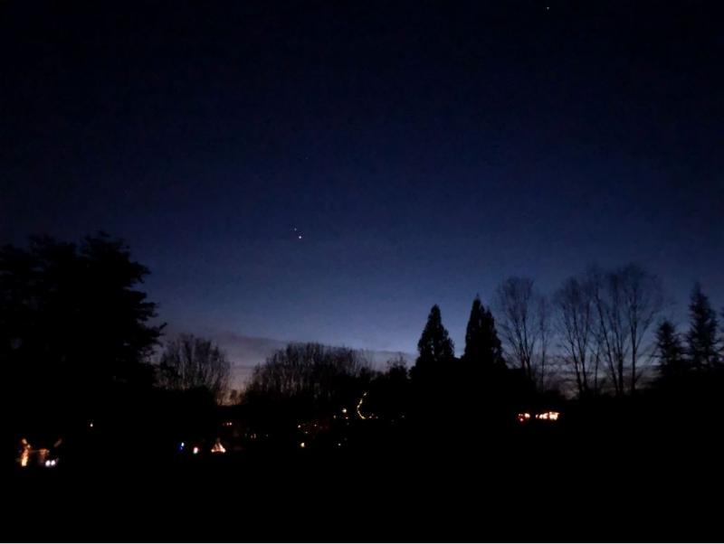IMG_2618 12-13-20 559 PM EST Saturn-Jupiter sml.JPG